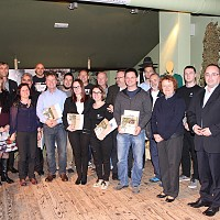Foto utrinek iz zaključka izobraževanja - skupinska slika udeležencev